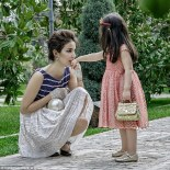 329C07DD00000578-3512179-Mother_and_daughter_chic_Diora_s_Instagram_is_full_of_images_of_-a-35_1459176243776
