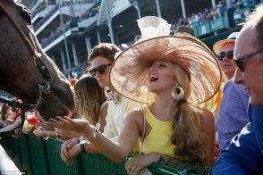 33F144BD00000578-3578965-Hungry_A_woman_strokes_a_horse_after_the_Derby_but_did_not_appea-m-152_1462675900075
