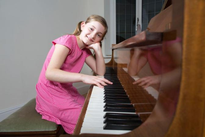 Alma Deutscher, 11, child prodigy an morden day 'Mozart', pens Cinderella opera wowing audiences in Vienna