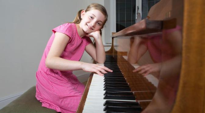 Alma Deutscher, 11, child prodigy an morden day 'Mozart', pens Cinderella opera wowing audiences in Vienna