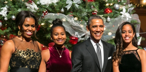 120816-lifestyle-obama-family-christmas-card